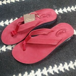 Chaco NWT Red Leather Flip Flops. Size 8